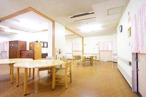 医療法人財団青山会<br /> 介護老人保健施設なのはな苑の<br /> ホームページへようこそ